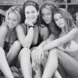 Lisa Rinna a publié une photo de ses filles Delilah Belle et Amelia Gray, en vacances avec Kaia Gerber la fille de Cindy Crawford. Photo publiée sur Instagram, le 3 août 2016