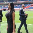Aurah Ruiz, la compagne de Jesé Rodriguez ( mannequin et elle a participé à l'émission de télé-réalité MYHYV ('Mujeres y hombres y viceversa')) - Jesé Rodriguez, la nouvelle recrue de l'équipe de football du PSG (Paris Saint-Germain Football Club), présenté lors d'une conférence de presse au stade du Parc des Princes à Paris, le 8 août 2016. © Marc Ausset-Lacroix/Bestimage