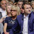 """Emmanuel Macron et sa femme Brigitte Trogneux durant le premier meeting du rassemblement """"En Marche"""" à la Mutualité à Paris, France, le 12 juillet 2016. © Stéphane Allaman/BestImage"""
