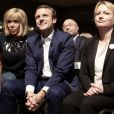 """Emmanuel Macron et sa femme Brigitte Trogneux durant le premier meeting du rassemblement """"En Marche"""" à la Mutualité à Paris, France, le 12 juillet 2016. © Stéphane Lemouton/BestImage"""