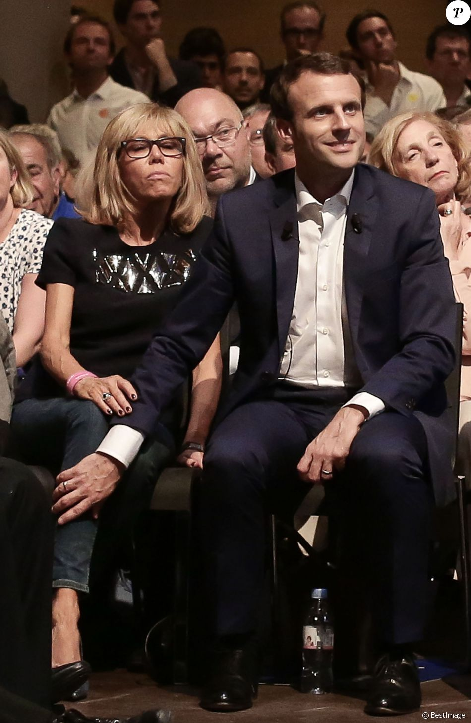 emmanuel macron et sa femme brigitte trogneux et g rard collomb durant le premier meeting du. Black Bedroom Furniture Sets. Home Design Ideas