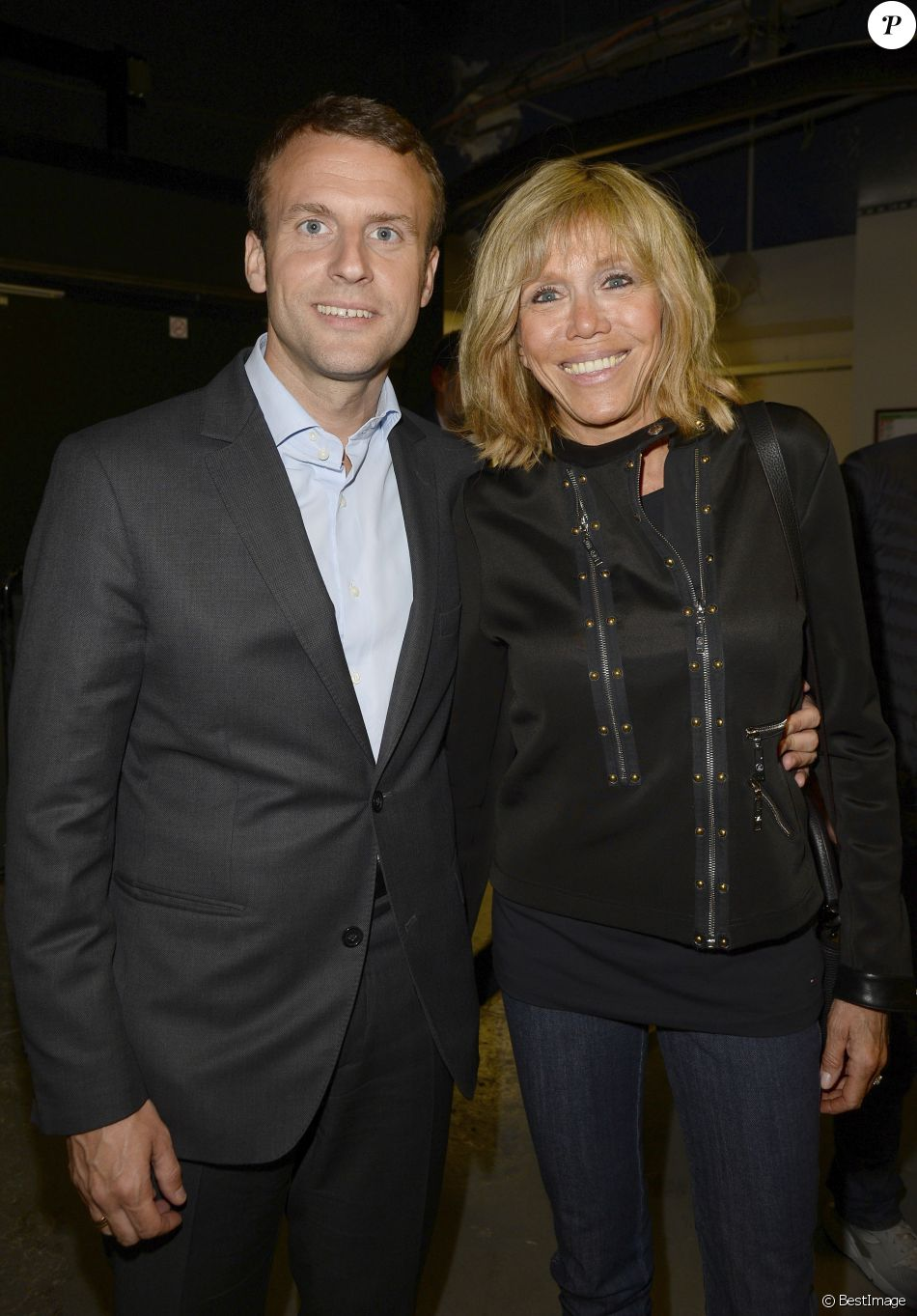 emmanuel macron et sa femme brigitte trogneux jour 4 people en backstage du concert de. Black Bedroom Furniture Sets. Home Design Ideas