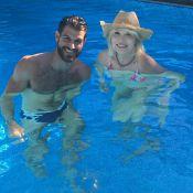 Amanda Lear : Repos estival avec son nouveau et viril toyboy