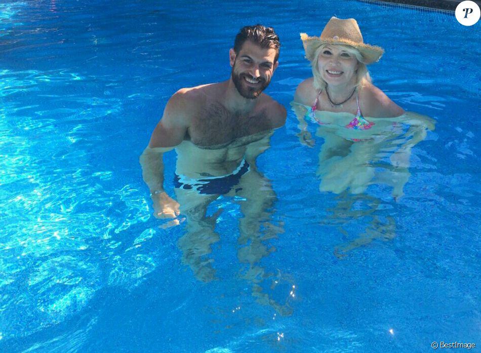 Exclusif -  Amanda Lear se repose avec le beau Matthieu en Provence. Le 5 août 2016