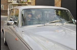 REPORTAGE PHOTOS : Kate Moss et Jamie Hince, après leur cuite, voilà qu'ils nous montrent leur vieille carrosserie !