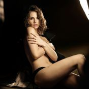 Lily James (Downtow Abbey) : Égérie craquante et topless pour Burberry