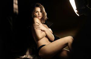 Lily James (Downtow Abbey) : Égérie craquante et topless pour Burberry