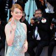"""Emma Stone habillée par Versace - Première de """"La La Land"""" et cérémonie d'ouverture du 73ème festival du film de Venise (Mostra) le 31 août 2016"""