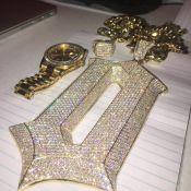 Drake : 3 millions de bijoux volés dans son bus, le rappeur est furax