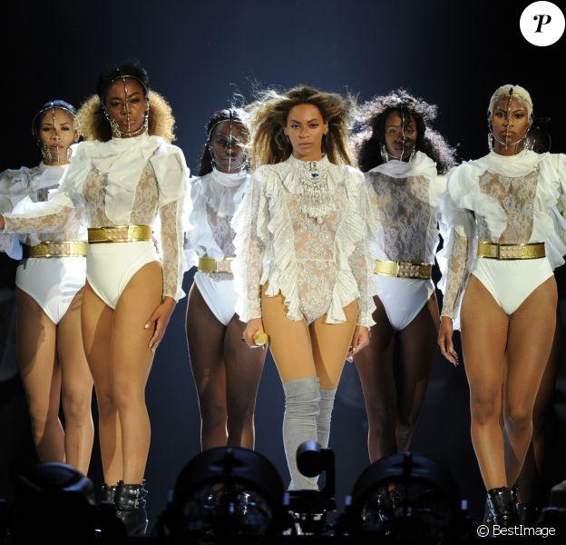 """Beyoncé au stade Marlins Park à Miami, coup d'envoi de sa tournée """"Formation World Tour"""", le 27 avril 2016"""