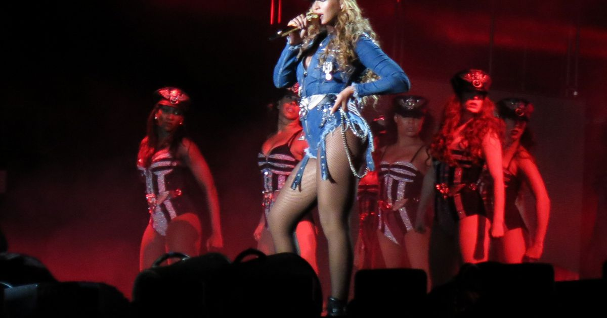 jay z et beyonc en concert dans le cadre de leur tourn e on the run pasadena le 2 ao t 2014. Black Bedroom Furniture Sets. Home Design Ideas