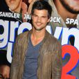 "Taylor Lautner - People a la premiere du film ""Grown Ups 2"" a New York. Le 10 juillet 2013 Celebrities attend the 'Grown Ups 2' New York Premiere at AMC Lincoln Square Theater on July 10, 2013 in New York City.11/07/2013 - New York"