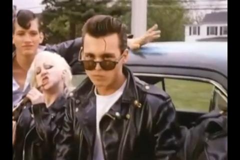 """Mort de Kim McGuire, partenaire de Johnny Depp dans """"Cry Baby"""""""