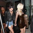 Kylie Jenner, Kendall Jenner, Tyga et Jonathan Cheban à la sortie du club 1OAK à Los Angeles, le 22 septembre 2016