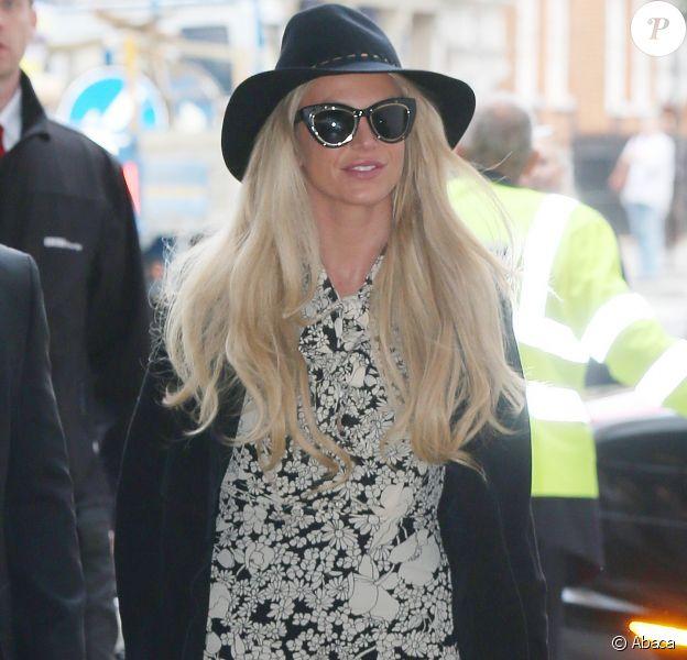 Britney Spears arrivant à la BBC Radio 1 de Londres le 28 septembre 2016.