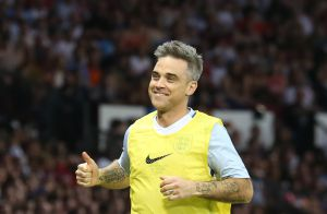 Robbie Williams grand seigneur : Sa femme Ayda enfin autorisée à faire carrière