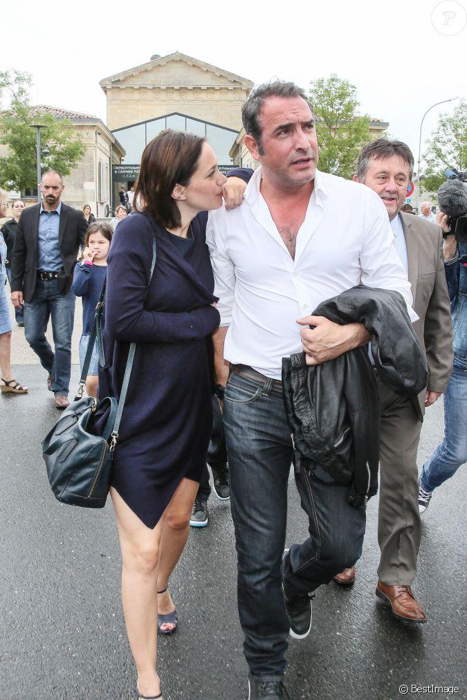 Jean dujardin et sa compagne nathalie p chalat enceinte for Musique jean dujardin