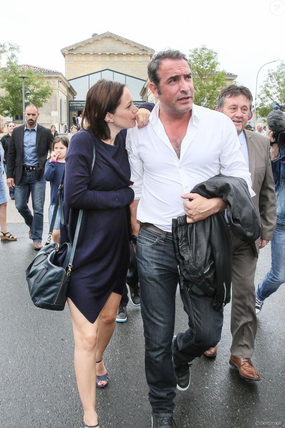 Jean dujardin et sa compagne nathalie p chalat enceinte for Dujardin france