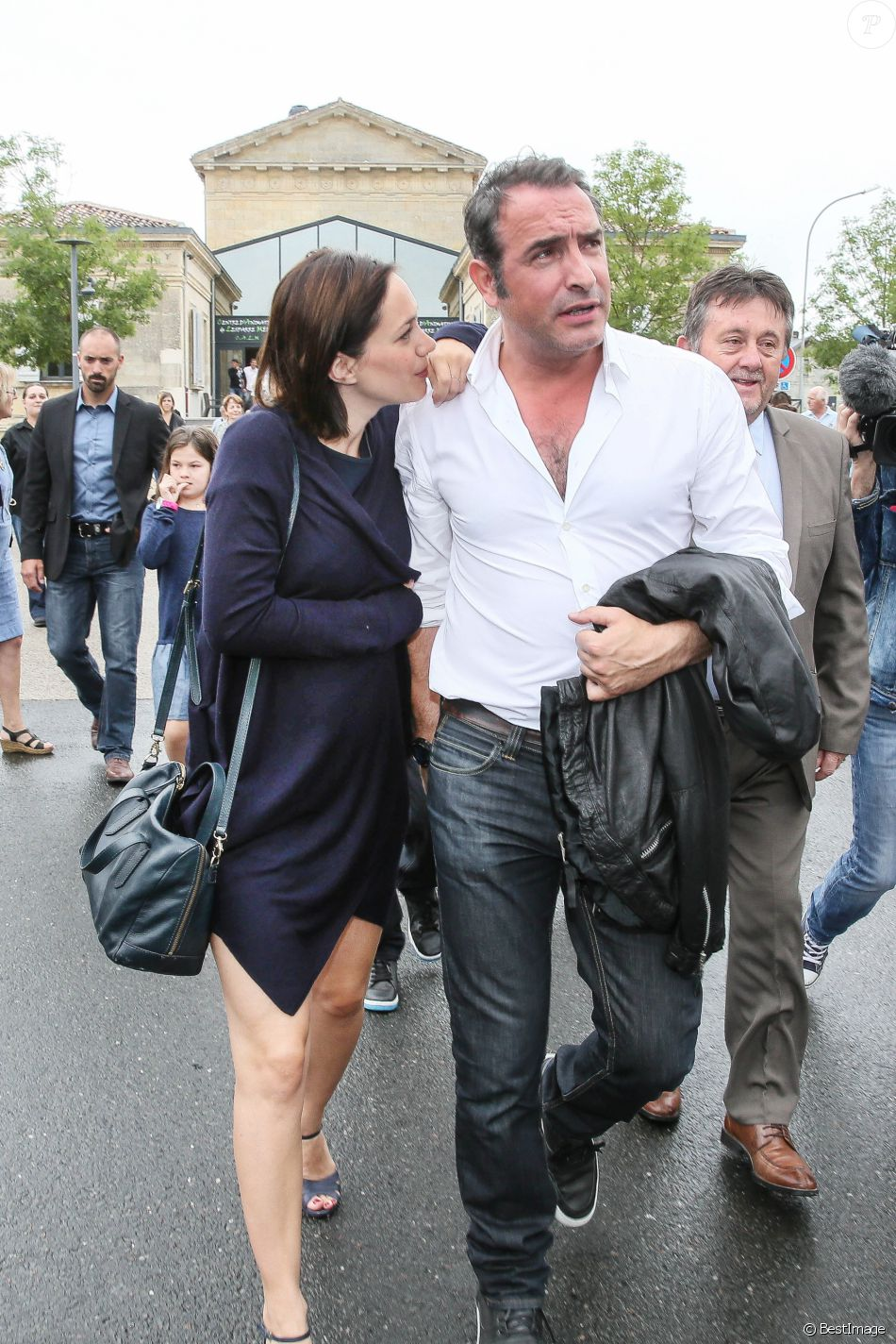 Jean dujardin et sa compagne nathalie p chalat enceinte for Compagne de jean dujardin