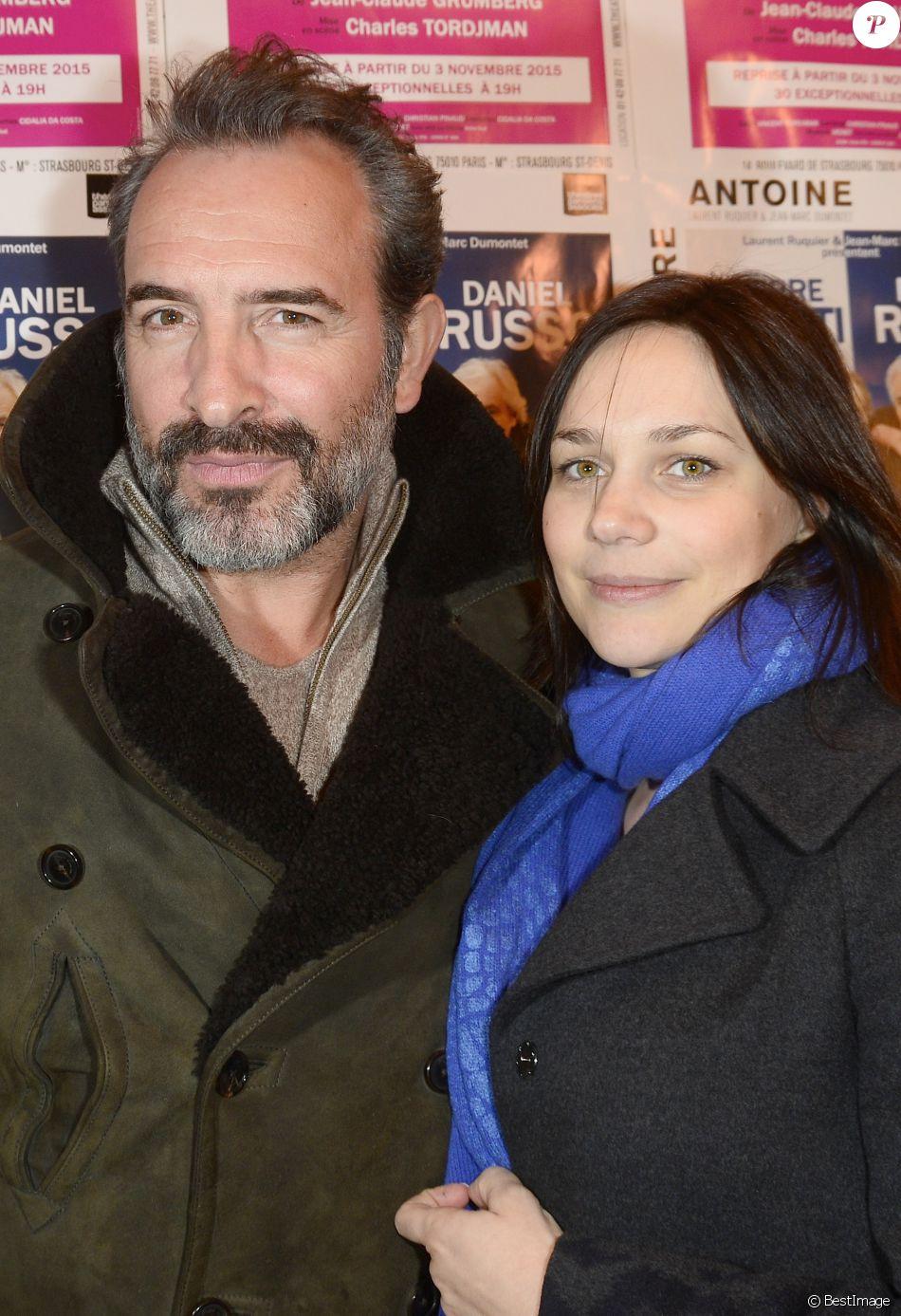 Jean dujardin et sa compagne nathalie p chalat lors du for Nathalie jean dujardin