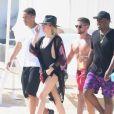 Khloé Kardashian et son nouveau compagnon, le joueur de la NBA Tristan Thompson, sont en vacances avec des amis sur la plage à Cabo San Lucas, le 5 septembre 2016.