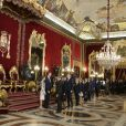 Le roi Felipe VI et la reine Letizia d'Espagne ont reçu quelque 1 200 invités au palais royal à Madrid le 12 octobre 2016 dans le cadre des célébrations de la Fête nationale.