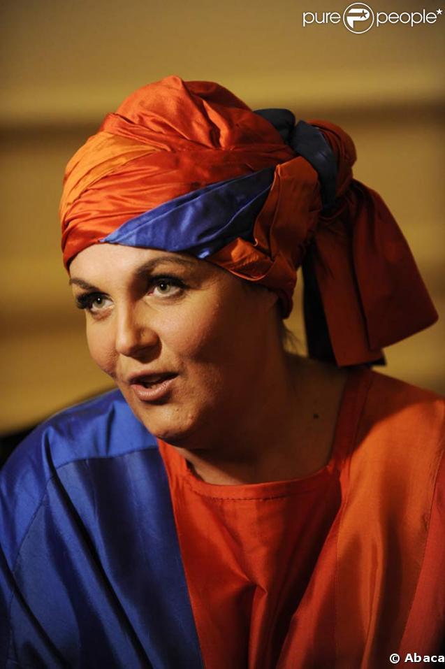 8d83beef3e505 VIDEO EXCLUSIVE   Découvrez maintenant Valérie Damidot qui chante ...