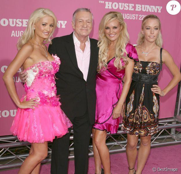 Hugh Hefner, Bridget Marquardt, Kendra Wilkinson et Holly Madison à la première de House Bunny à Westwood, le 20 août 2008