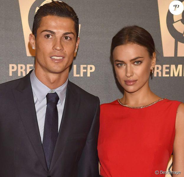 Cristiano Ronaldo et sa petite amie Irina Shayk à la soirée de gala de la Liga de football à Madrid en Espagne le 27 octobre 2014.