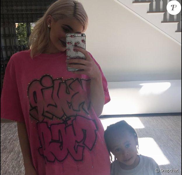 Kylie Jenner avec le fils de Tyga, King Cairo (3 ans). Octobre 2016.