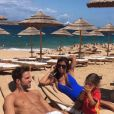 Cesc Fabregas et Daniella Semaan (photo Instagram, en vacances, été 2016) ont annoncé le 16 octobre 2016 attendre leur troisième enfant ensemble. Un petit frère pour Lia (3 ans) et Capri (1 an) !