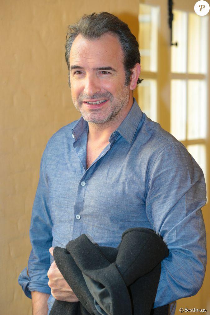 Jean dujardin lors de la conf rence de presse du film un for Les film de jean dujardin