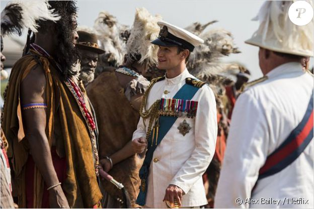 Matt Smith jour Philipp Mountbatten dans The Crown une série originale Netflix (2016).