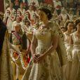 La robe de couronnement d' Elisabeth II dans The Crown une série originale Netflix