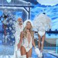 Elsa Hosk au défilé de mode de Victoria's Secret à Lexington Avenue Armory à New York, le 10 novembre 2015.