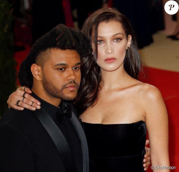 """Bella Hadid et son compagnon The Weeknd à la Soirée Costume Institute Benefit Gala 2016 (Met Ball) sur le thème de """"Manus x Machina"""" au Metropolitan Museum of Art à New York, le 2 mai 2016. © Charles Guerin/Bestimage"""