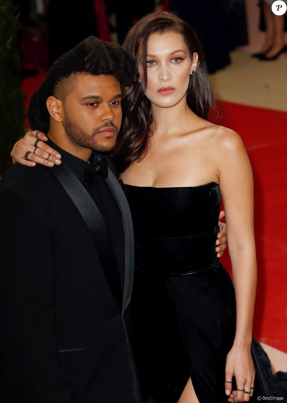"Bella Hadid et son compagnon The Weeknd à la Soirée Costume Institute Benefit Gala 2016 (Met Ball) sur le thème de ""Manus x Machina"" au Metropolitan Museum of Art à New York, le 2 mai 2016. © Charles Guerin/Bestimage"