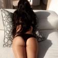 Sur son compte Snapchat, Kourtney a publié une photo de sa soeur Khloé en train de bronzer. Le 15 novembre 2016