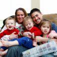 Thomas Beatie et son ex-femme Nancy, avec leurs enfants Susan, Austin et Jensen, le 6 mars 2011.