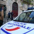 La Police Technique et Scientifique quitte l'hôtel résidence où Kim Kardashian a été attaquée. Paris, le 3 octobre 2016.