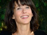 Sophie Marceau souffle ses 50 bougies, Cyril Lignac ne la quitte pas des yeux...