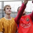 Justin Bieber et sa rencontre avec les joueurs du FC Barcelone, le 21 novembre 2016.