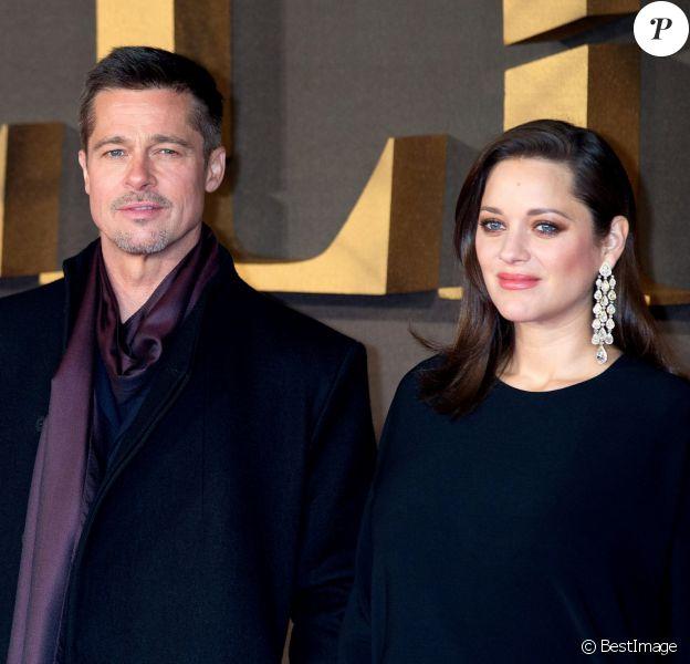 Brad Pitt et Marion Cotillard enceinte à la première de 'Alliés' ('Allied') aux cinémas Odeon à Leicester Square à Londres, le 21 novembre 2016