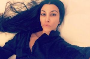 Kourtney Kardashian : Au naturel et au lit, la mère de famille éblouit