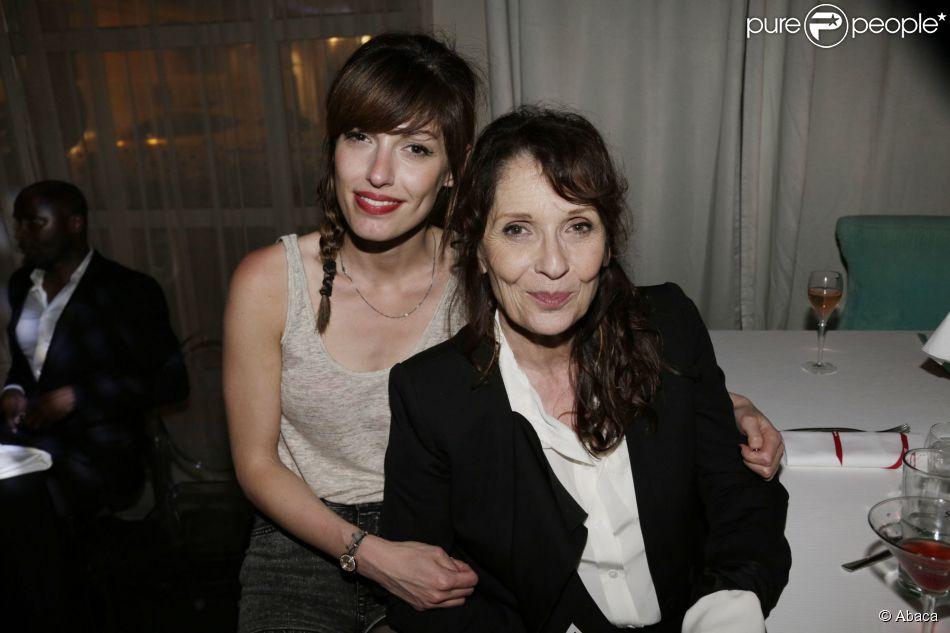 Jennifer Ayache et sa mère Chantal Lauby lors de la soirée au 3.14 Hotel dans le cadre du Festival de Cannes le 22 mai 2013