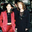 Chantal Lauby et sa fille Jennifer Ayache lors de la cérémonie des Molières en 1997