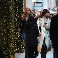 Martha Hunt et Bella Hadid sortent de l'hôtel Mandarin à Paris, le 29 novembre 2016