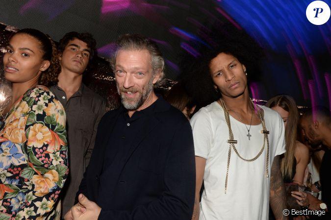 Exclusif vincent cassel sa compagne tina kunakey et laurent bourgeois les twins au vip room - Laurent boyer et sa nouvelle compagne ...