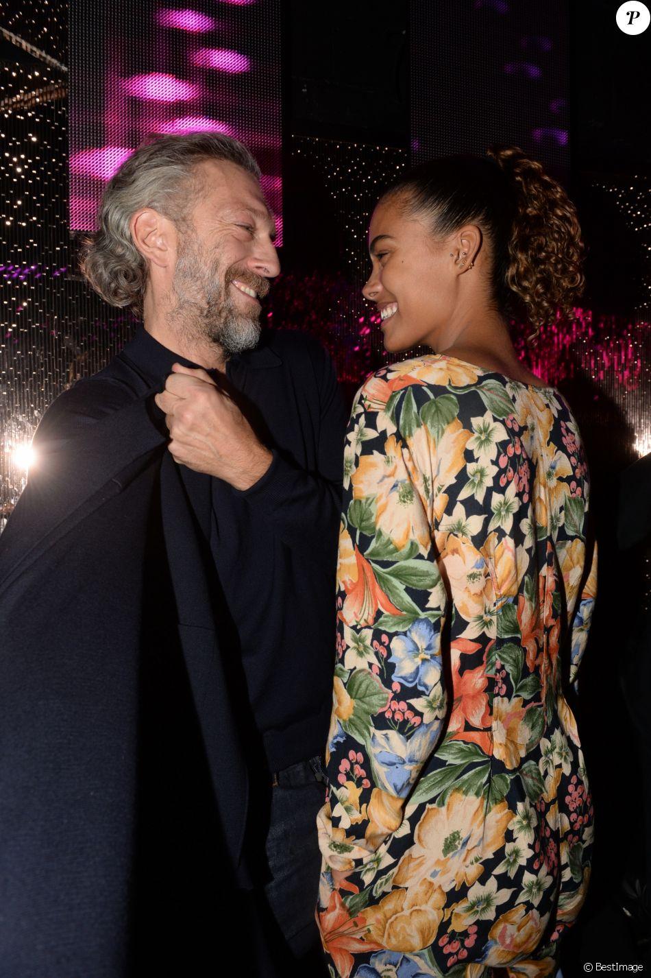 Exclusif - Vincent Cassel et sa compagne Tina Kunakey au VIP Room à Paris, France, le 1 er décembre 2016. © Rachid Bellak/Bestimage