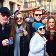 Ronan Keating entouré de sa femme Storm qui est enceinte, et des trois enfants qu'il partage avec son ex-femme Yvonne. Photo publiée sur Instagram le 6 décembre 2016